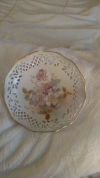 white and pink floral ceramic plate Frederick, 21701
