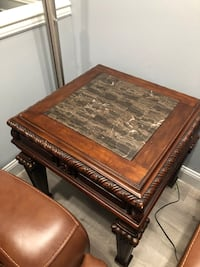 End Table beautiful for sale  Ashburn, 20147