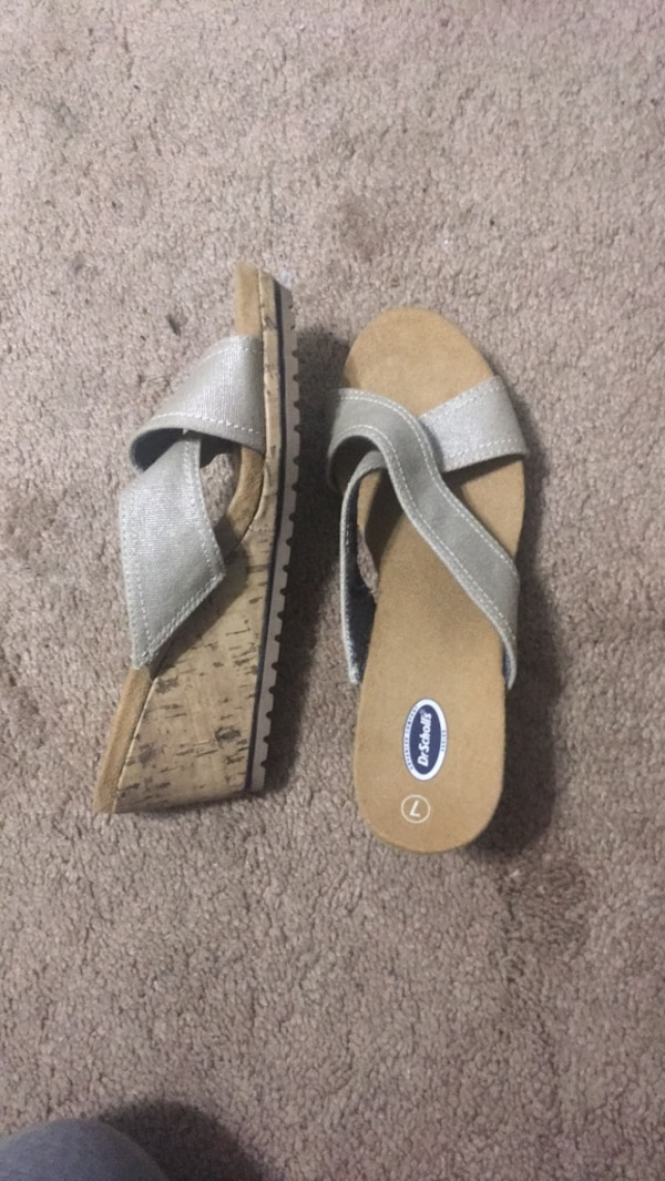 4eeb58847b5c Used Cute Dr.Scholls advanced comfort shoes with small wedge for ...