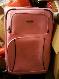 Tracker light pink 2 wheel suitcase Mississauga, L5N 4M9