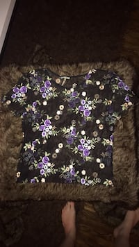 NWOT URBAN OUTFITTERS SEE THROUGH CROP TOP IN SIZE SMALL