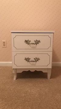 White wooden 2-drawer nightstand Manassas, 20112
