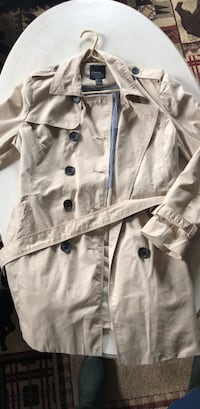 Large forever 21 lightweight trench coat