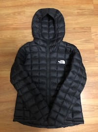 Women's North Face Thermal Down Jacket Vancouver, V5N 3W6