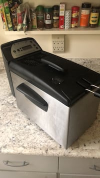 used deep fryer-I don't cook, used a few times Silver Spring, 20902