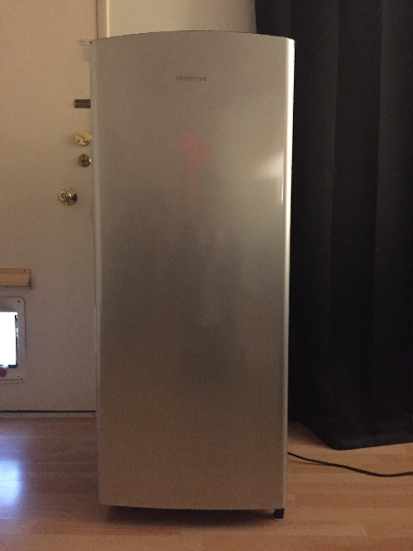 Used Refrigerator - apartment size for sale in SANTAMONICA ...