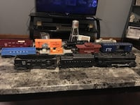 Post war Lionel Set. Lots of track and controllers. With accessories. Make me a offer Clever, 65631