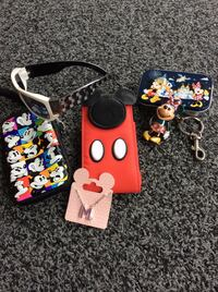 Disney World /Necklace-2-Cases-Key Ring-Sun Glasses & Tin Reading, 01867