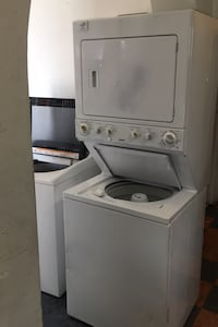KENMORE WASHER AND ELECTRIC DRYER STACKABLE