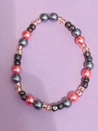women's gray and pink beaded necklace O'Fallon, 63368