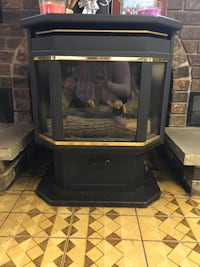 Gas fire place amazing condition like new Toronto
