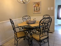 Dining table Fayetteville, 28314