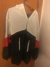 Runner Jacket Large St Catharines, L2T 3P7