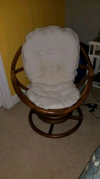Rattan swivel chair Purcellville, 20132