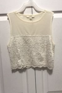 White lace crop top Surrey, V3S 0Z1