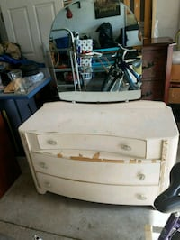 Antique dresser Ocala, 34480