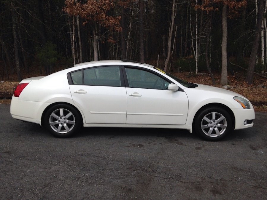 used 2004 nissan maxima 3 5 sl in lowell. Black Bedroom Furniture Sets. Home Design Ideas