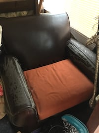 Old leather seat. It is comfy. But obviously needs a cover Townsend, 01474