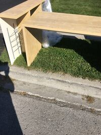 rectangular brown wooden coffee table Richmond Hill, L4C