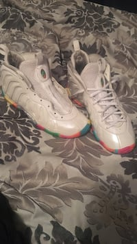 Good condition size 7
