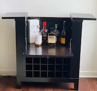 Bar and wine cabinet