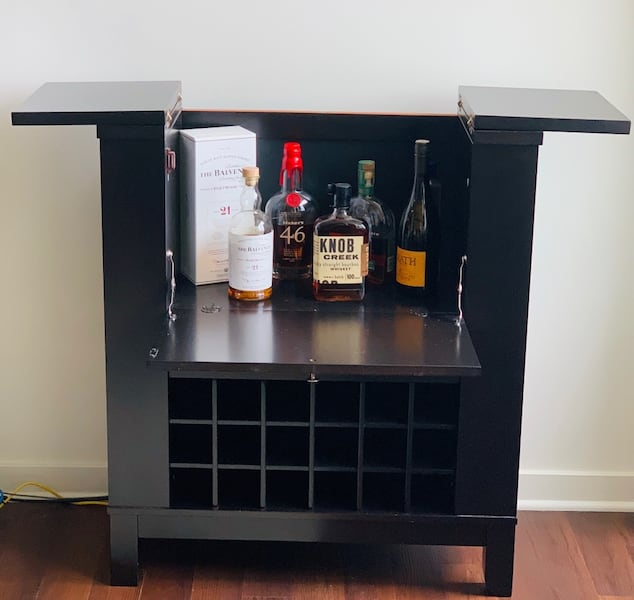 Bar and wine cabinet  2965c031-7403-443a-ad5d-b10312e5f086
