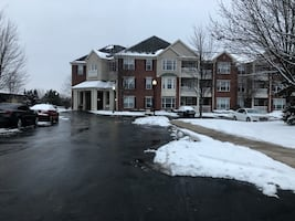 1BR apt sublet - available NOW!