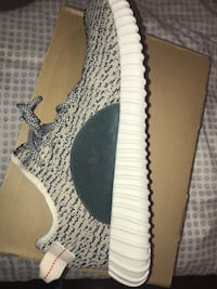 Turtle Dove Yeezy 350s size 11 Mississauga, L5M 3M2