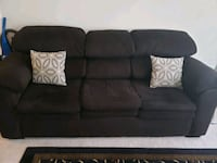 sofa and matching loveseat in excellent shape no s Ashburn, 20147