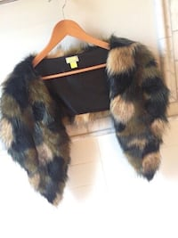 Looks like real fur! One size Vaughan