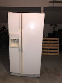 white side by side refrigerator with dispenser Ashburn, 20147