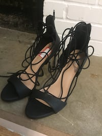 pair of black open-toe ankle strap heels size 10 Creve Coeur, 63141