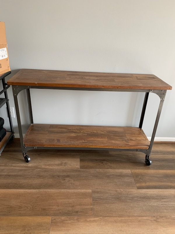 Beautiful Farmhouse/Industrial Console Table