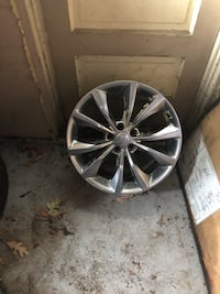 Chrysler 18 inch Rims (4) bolt pattern is 5x110 Youngstown