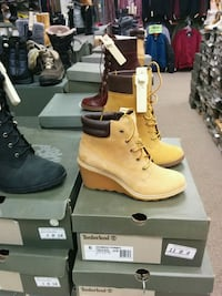 pair of brown Timberland work boots Toronto, M1L 2L6
