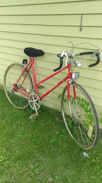 red and gray road bike Montgomery, 60538