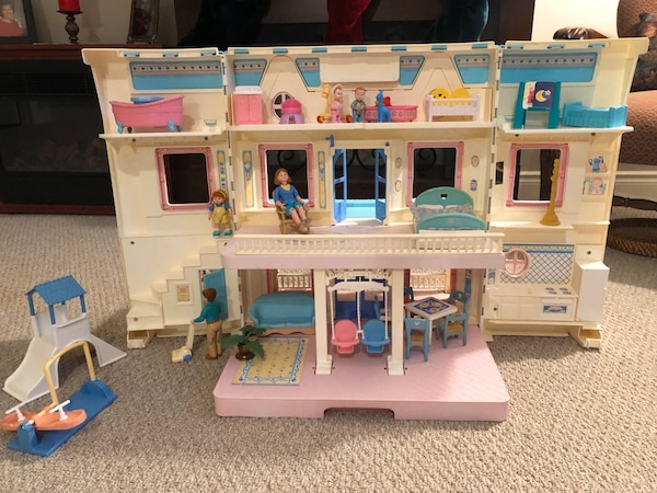 Vintage fisher price loving family house and accessories  7d8c5328-e19b-446d-a9ac-3966885aaab0