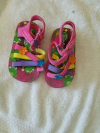 Baby girl toddler sandals size #6c Chicago, 60652