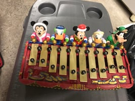 Xmas Disney collectible music