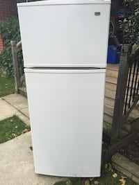 White top-mount refrigerator Maytag fridge Toronto, M6G 2H7