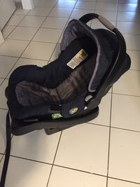 Eddie Bauer infant car seat  Mississauga, L5N 0G5