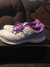 Nike women's shoes size 10 Memphis, 38128