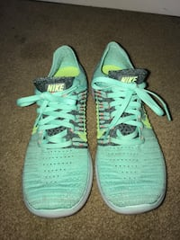 Teal and gray nike free run shoes Spring, 77381
