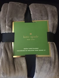 Grey kate spade queen fleece blanket London, N6E 3N1