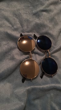 Two black and mirror framed sunglasses New York, 10462