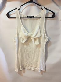 Small tank top blouse Port Hope, L1A 2M5