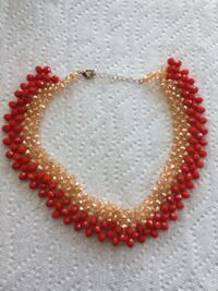Handmade bead necklace null