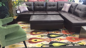 Brown Sectional w/ Ottoman