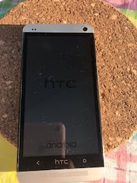 HTC Android phone. Laval, H7Y 2C8