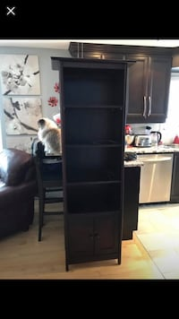 Shelf / bookcase, coffee table and 2 end table 724 km